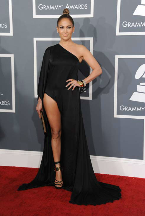 130210-galleryimg-ap-grammys-red-carpet-lopez-dress