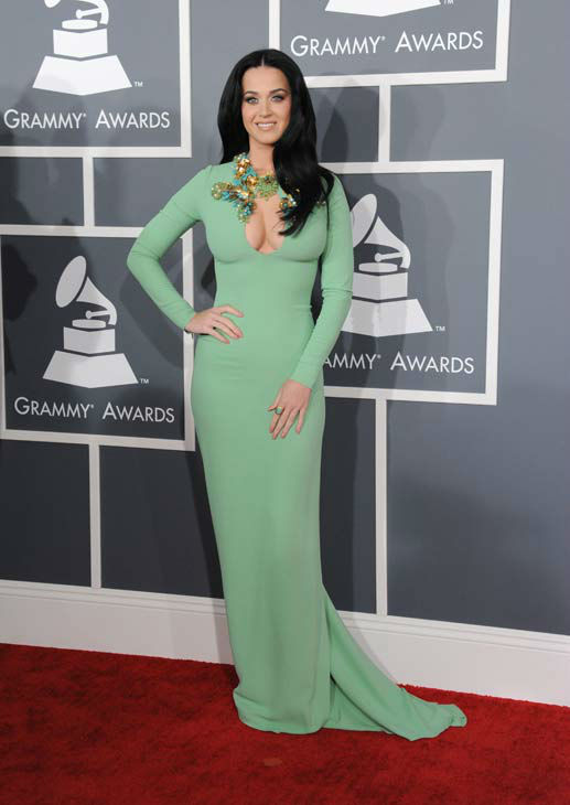 130210-galleryimg-ap-grammys-red-carpet-perry