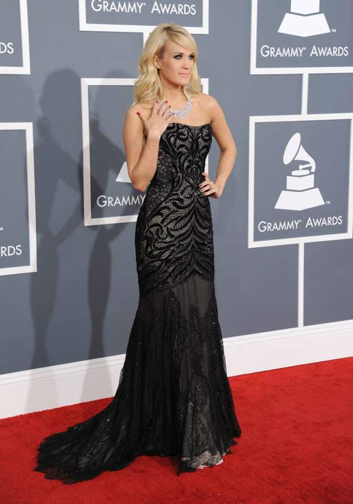 130210-galleryimg-ap-grammys-red-carpet-underwood-dress