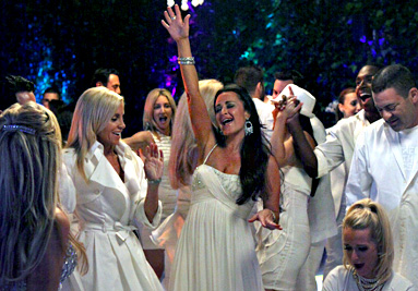 the-real-housewives-of-beverly-hills-kim-richards-camille-grammer-dancing-white-party